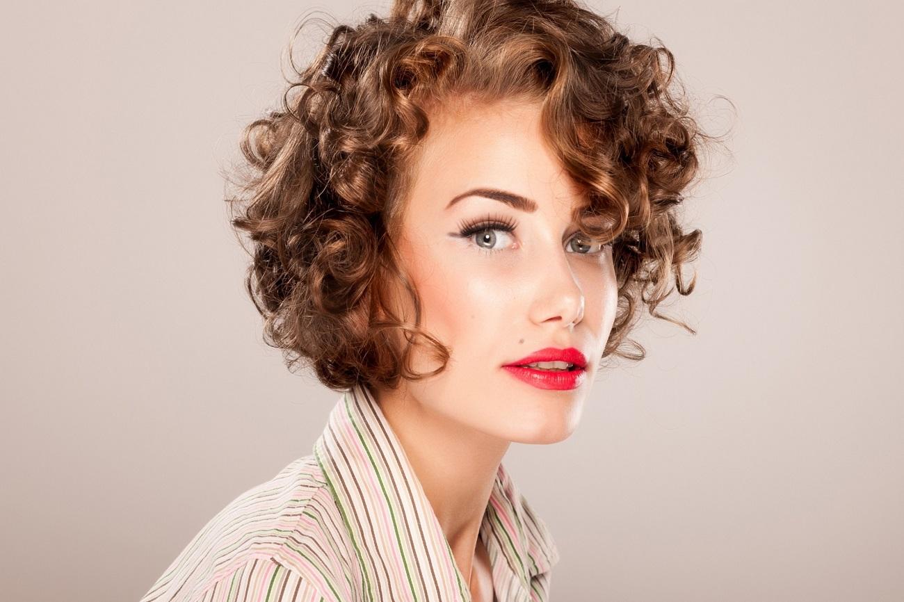 6 лучших стрижек для коротких вьющихся волос